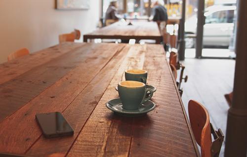 smartphone in coffee shop
